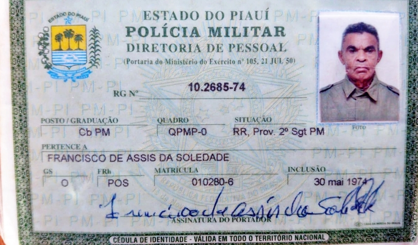 Carteira de identidade do policial assassinado.